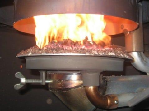 Il bruciatore di una stufa a pellet.