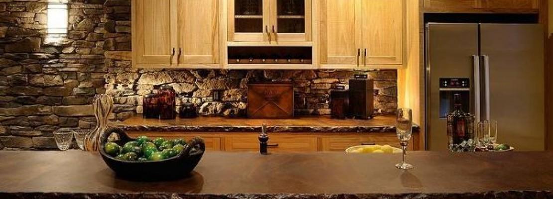 Idee e consigli per chi vuole arredare una taverna in stile country.