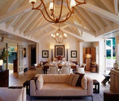Un salotto in stile americano.