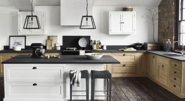 Ristrutturazione casa. La ristrutturazione della cucina.