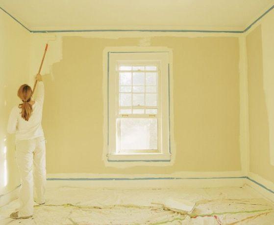 Tinteggiare le pareti.