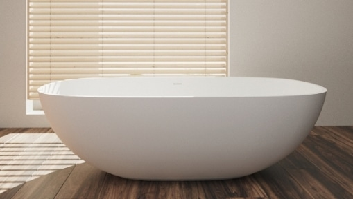 Una vasca freestanding contemporanea.