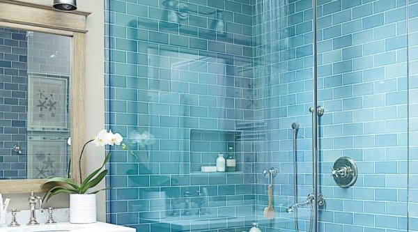 La doccia del bagno di una casa al mare.