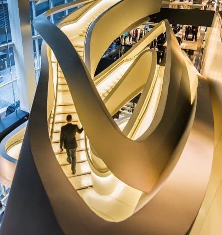 La scala nel negozio di Armani a New York.