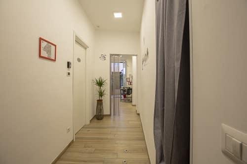 Corridoio progetto per limitare le barrire architettoniche