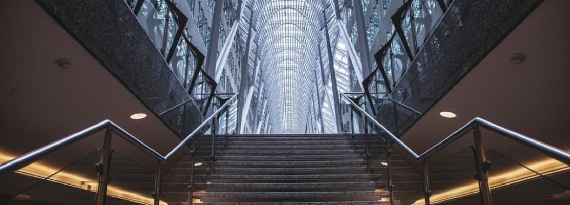 Bellissima scala metallica realizzata da azienda di carpenteria metallica