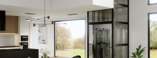 I miniascensori interni sono una soluzione per le barriere architettoniche in casa.